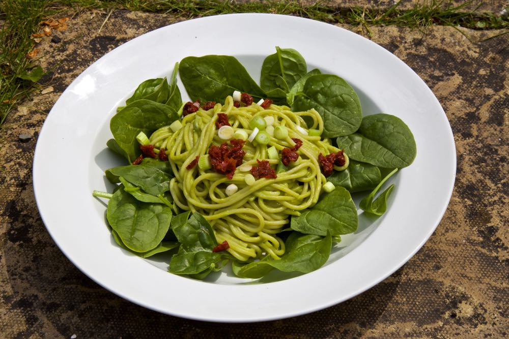 Celebrate #GreatBritishPeaWeek with simple Pea Pesto and Spaghetti! https://t.co/LwvMyCXmpv @YesPeas https://t.co/MuoAnaWK8f