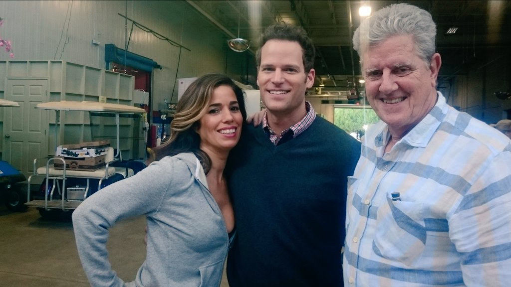 Tonight on #DeviousMaids ! These incredible two @TheRealAnaOrtiz @TheSamMcMurray and... ME! 9pm on @lifetimetv https://t.co/zdigAjspic