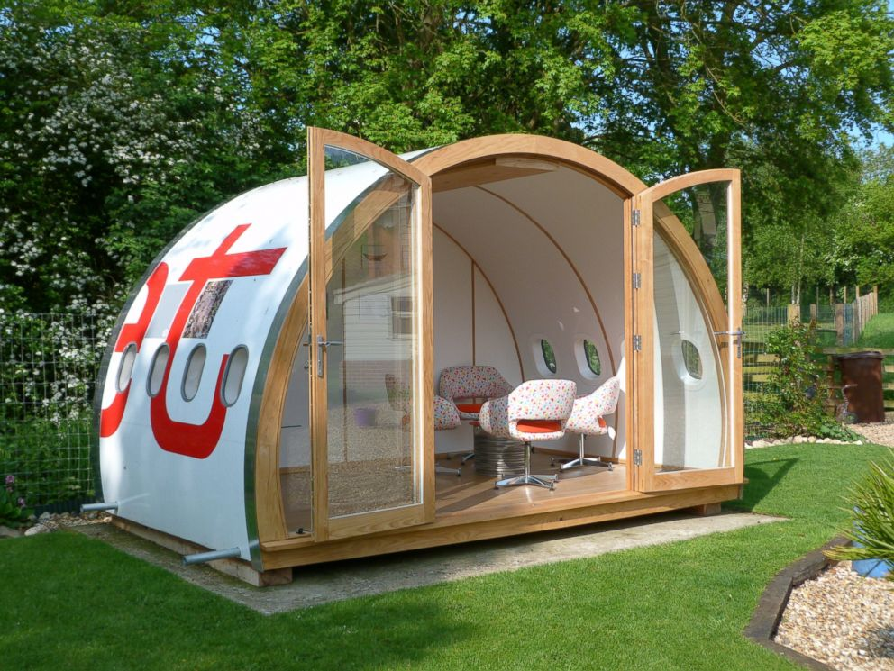 Father-daughter team in the U.K. re-purpose old Airbus A320, turning it into clubhouse.