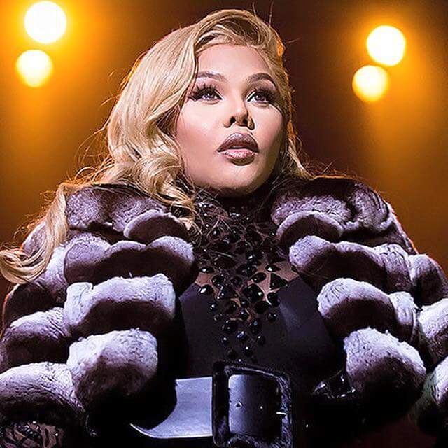 Happy Birthday Queen Bee @LilKim A TRUE  LEGEND & PIONEER OF HIP HOP! https://t.co/7yprXB0Bzf