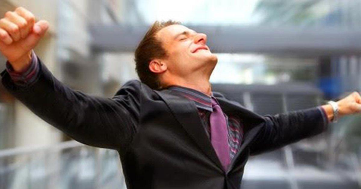 "#FelizMartes ""Yo no soy un producto de mis circunstancias. Soy un producto de mis decisiones."" Stephen Covey https://t.co/EKdbH3u0Wc"