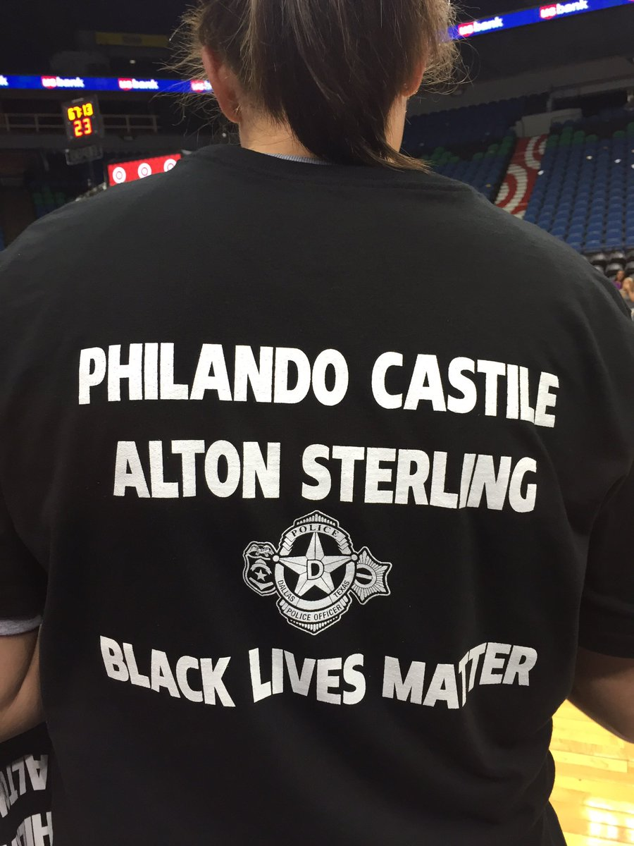 Again, here the Lynx t-shirts. They honor those killed from gunfire including 2 civilians AND Dallas PD officers. https://t.co/OfIedCDRZ8