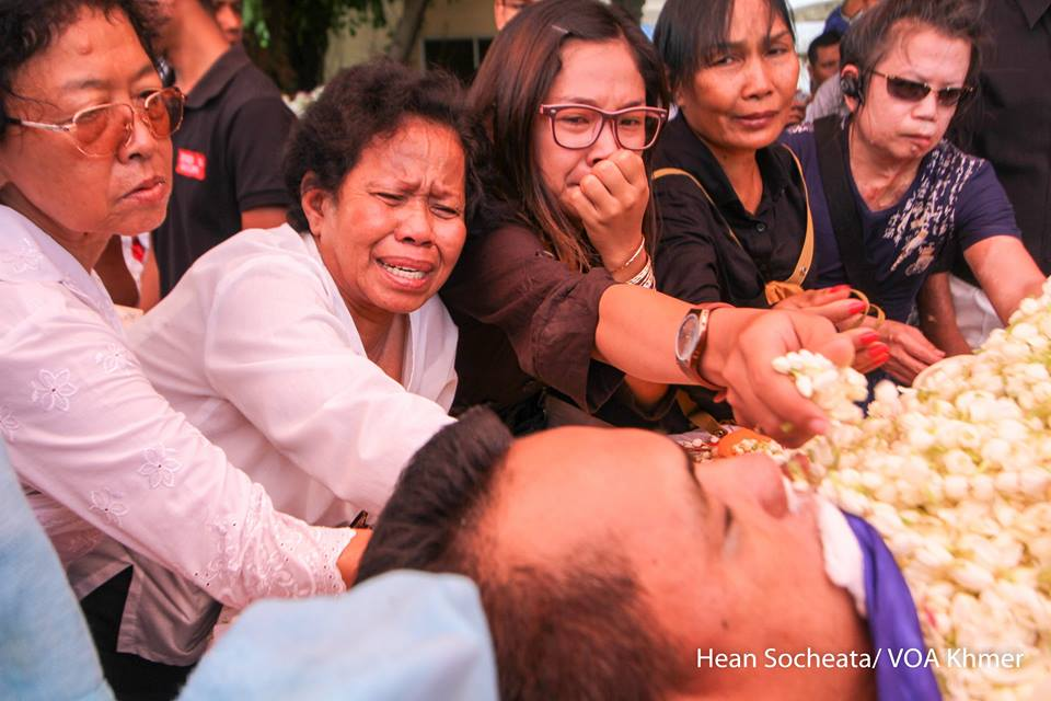 Photo of grievances at #KemLey's funeral by our reporter @SocheataHean. The outspoken scholar was gunned down Sunday https://t.co/40EqbUUqUJ