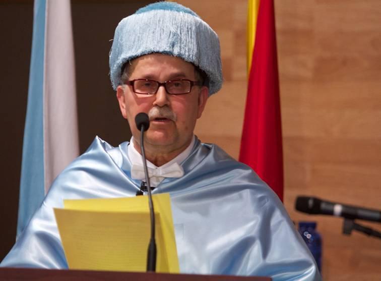Falece Agustín Fernández Paz, nomeado doutor honoris causa pola Universidade de Vigo en 2013 https://t.co/StPOwjbmCH https://t.co/WxOwT8eVbX