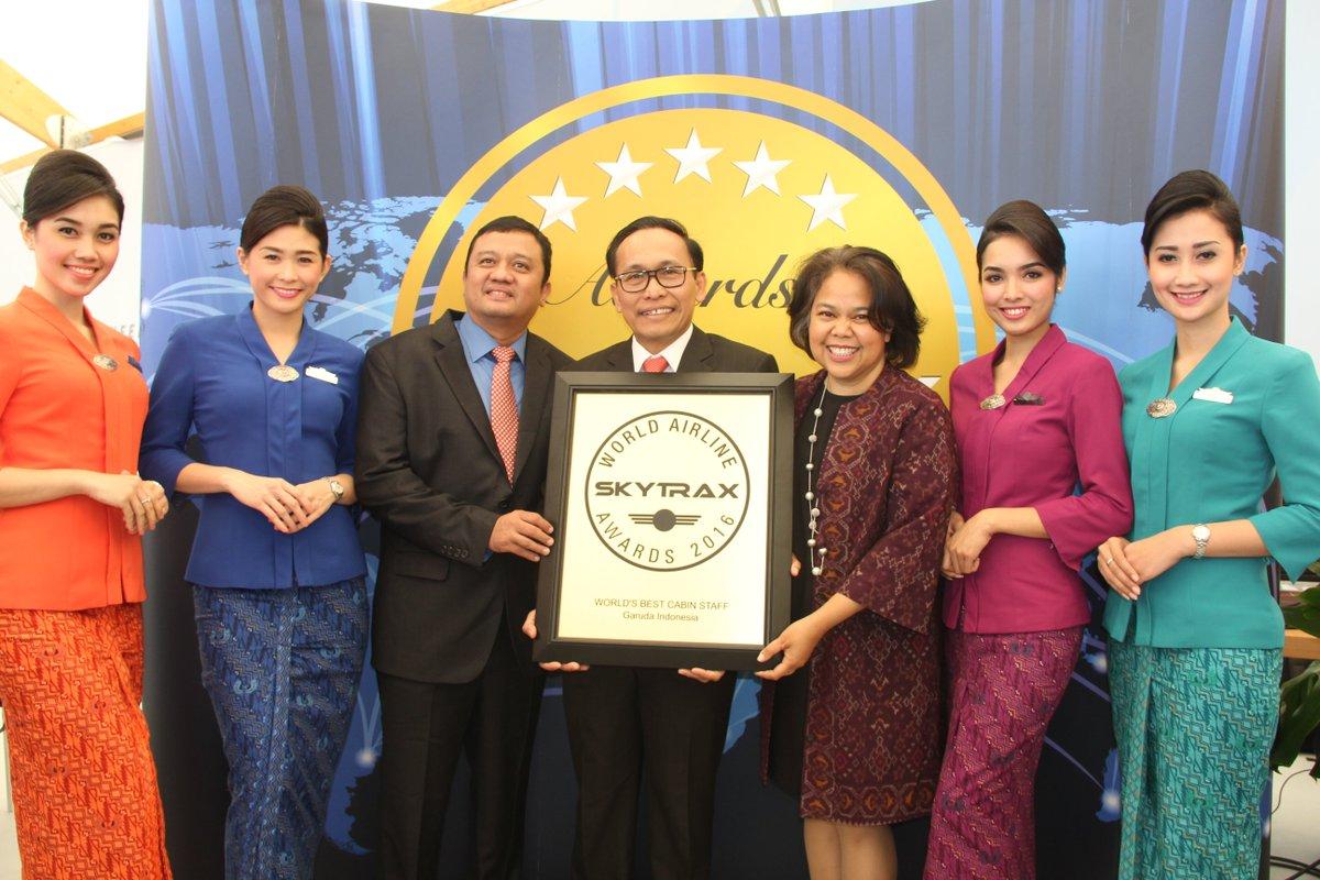 """Untuk ketiga kalinya, Garuda Indonesia meraih gelar """"World's Best Cabin Crew"""". Selengkapnya"""