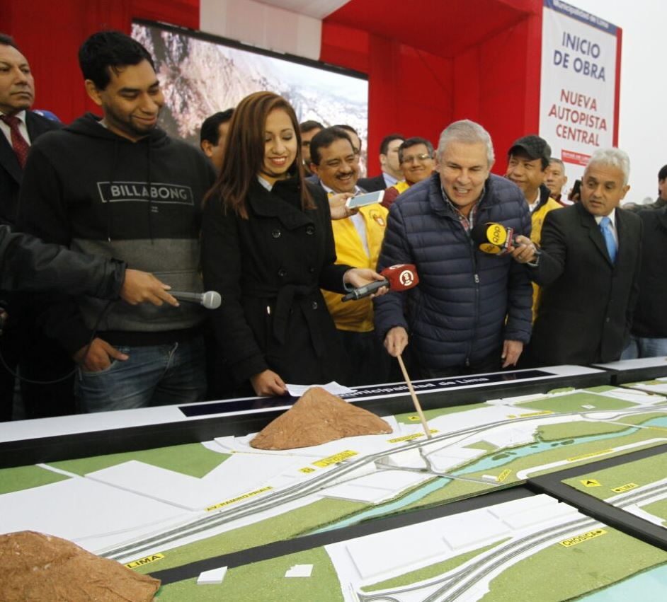 Alcalde de Lima inaugura el inicio de obras de la #NuevaAutopistaCentral que conectará a Lima y Chosica. https://t.co/fCwjYS6Z3U