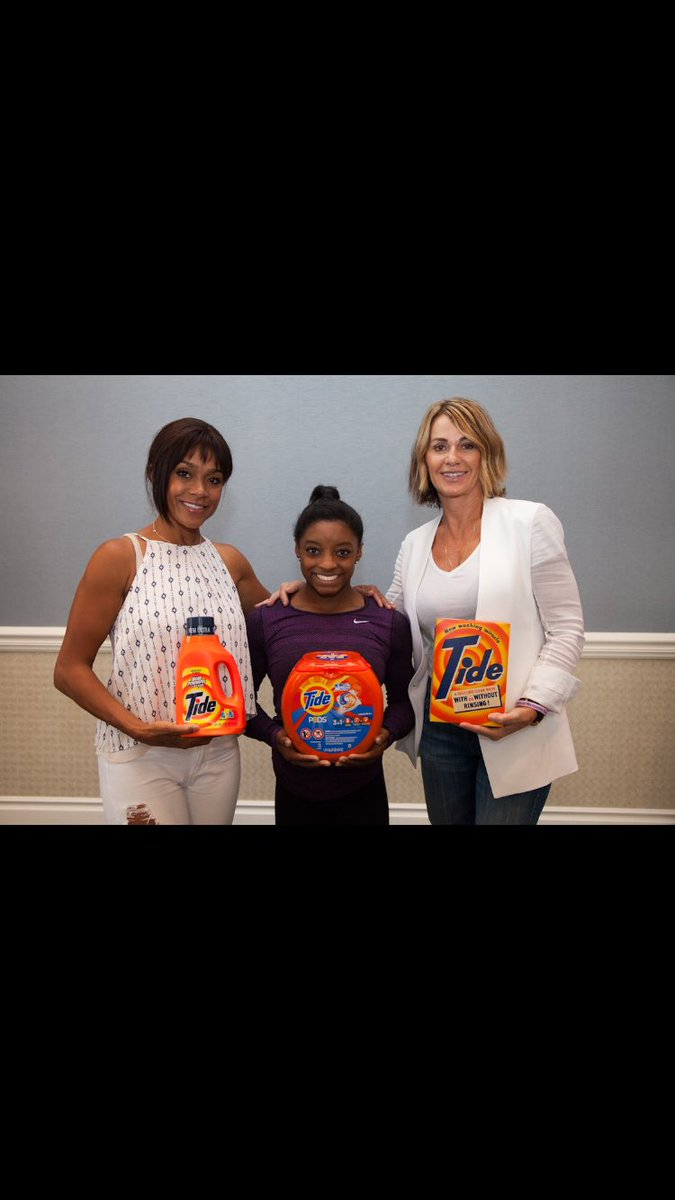 Congrats @Simone_Biles! Loved @nadiacomaneci10 celebrating the evolution of gymnastics w/ @Tide. #smallbutpowerful https://t.co/4J5cC2PojT