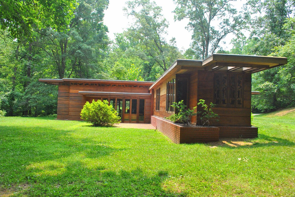 RT @VisitFairfax: A2: Virginia's hidden gems? Tour one of FrankLloydWright's homes