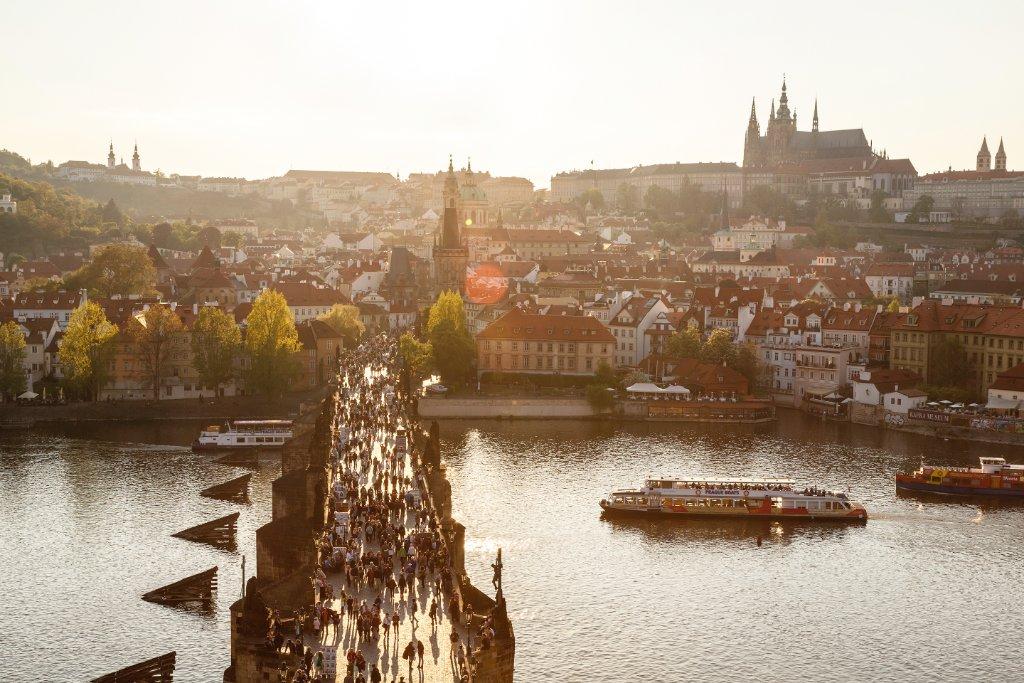 Six Pragois nous livrent leurs endroits favoris dans l'édition d'@enRoutemag de juillet :