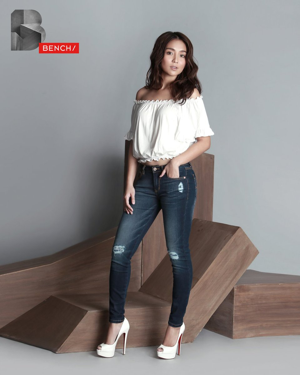 Comfort in your own skin keeps you a shoulder above the rest. @bernardokath for #BenchEveryday https://t.co/E9Kzw6So6C