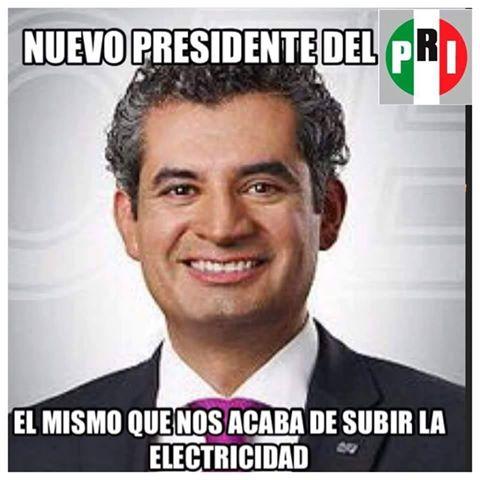 Este sujeto nos acaba de subir la luz a todos los mexicanos ...Ahora te pedirá que votes por el #PRI https://t.co/Oo1BWkRl3Z