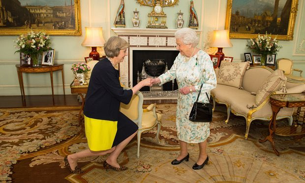 Say what you like about May, she's got incredible core strength. I couldn't muster a demi-lunge in a kitten heel.. https://t.co/GrlQYFW2TG