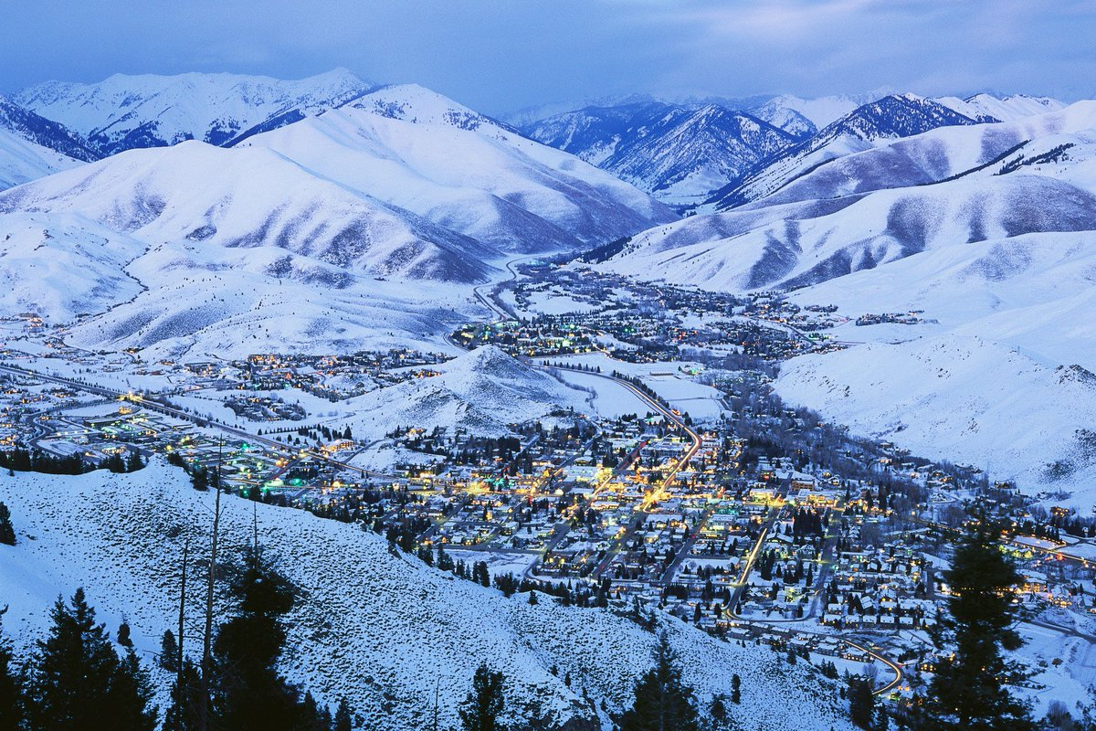 We're excited to announce new flights to Sun Valley beginning December 2016: