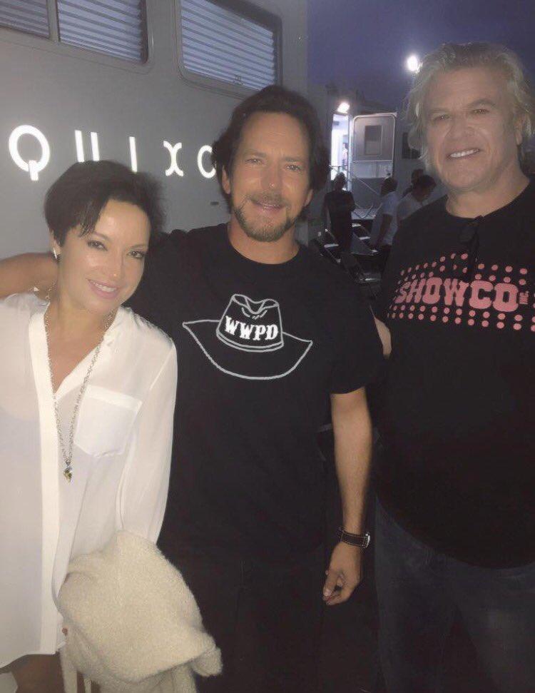 With @Ron_White & Eddie Vedder @PearlJam at the @SHO_Roadies Season 1 wrap party last night! #SHORoadies https://t.co/aTeNV9Lpsb