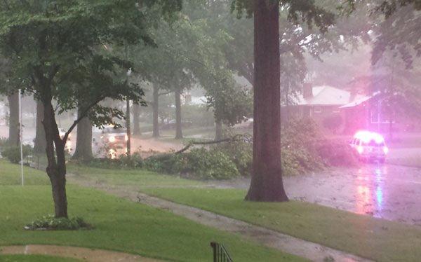 Thunderstorms roar across St. Louis area