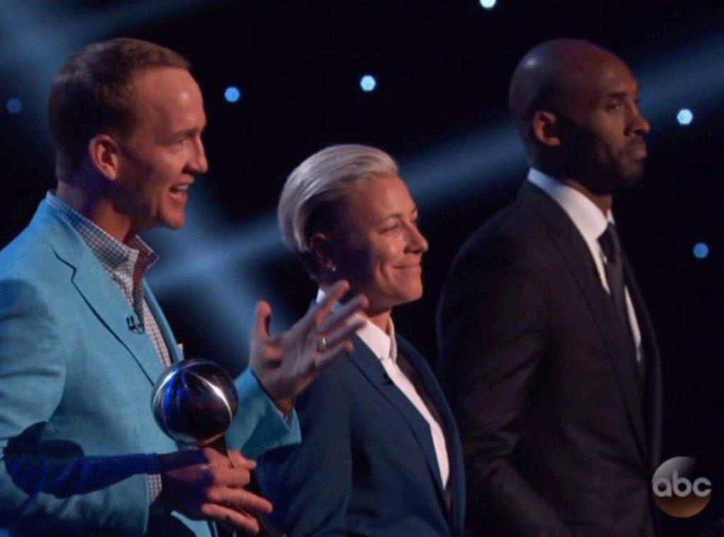 Justin Timberlake honors retired athletes Kobe Bryant, Peyton Manning & Abby Wambach: