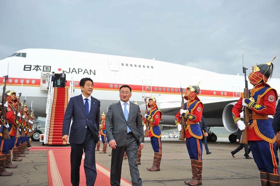 安倍首相、無事モンゴル到着したようです。 https://t.co/rCROni1V7Y