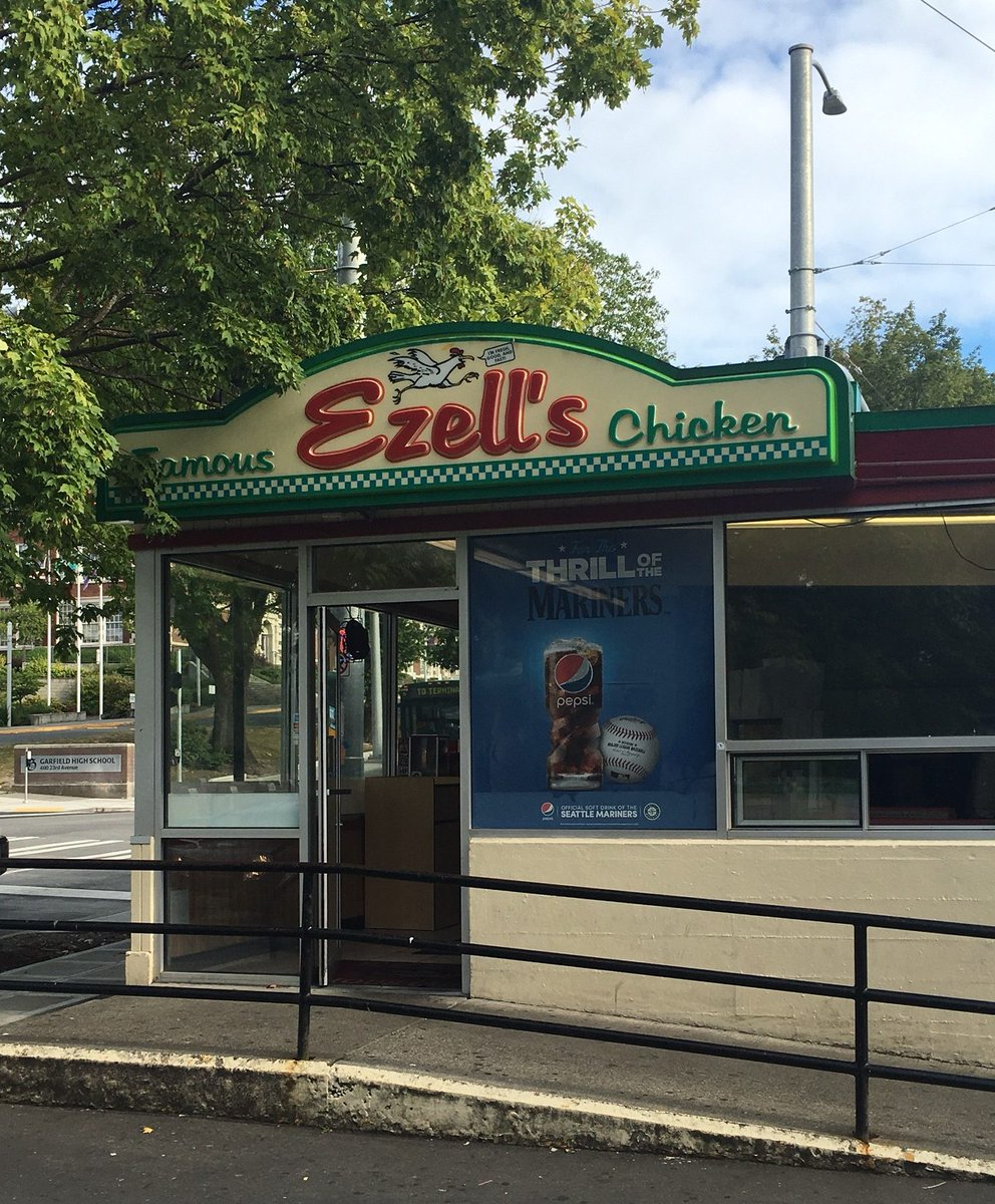 Ezell's Famous Chicken Coming to Wallingford https://t.co/Lr8k4gO6OP https://t.co/iPU9yOuFUV