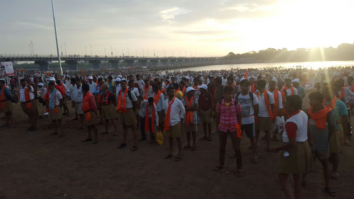 While volunteers came in from different organizations, a large chunk came from @RSSOrg https://t.co/EeeR0abIeD