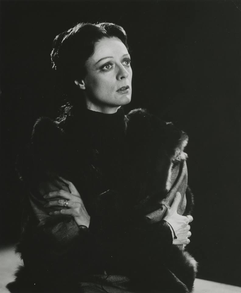 #TBT to Maggie Smith as Lady Macbeth in our 1978 production of #sfMacbeth. Photography by Zoe Dominic. https://t.co/lsRKaQ6z9d
