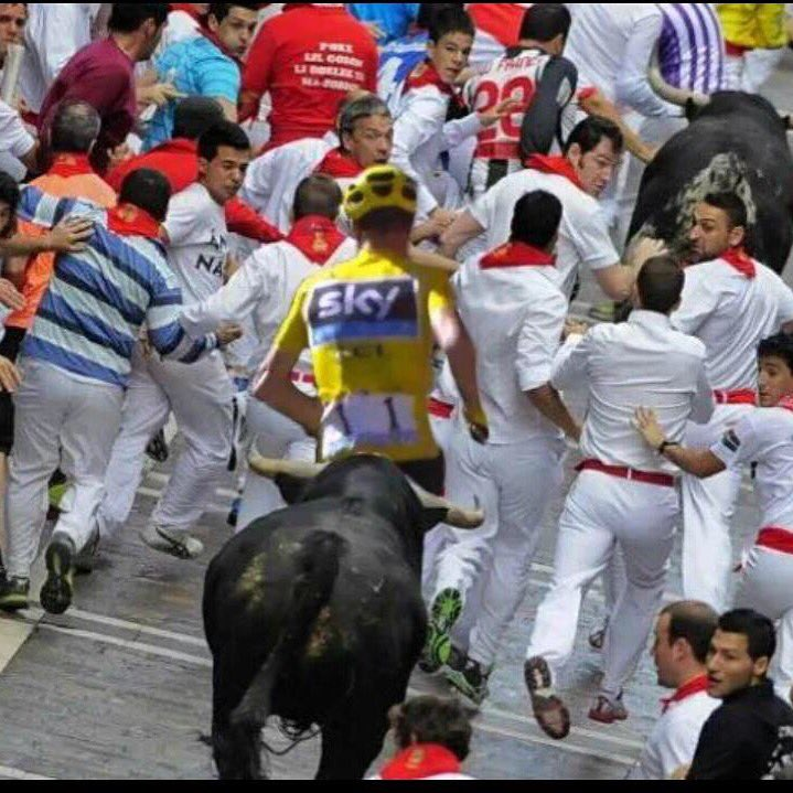 Froomey arrived just in time for the last running of the bulls of San Fermin... https://t.co/qUJbJJKyVL