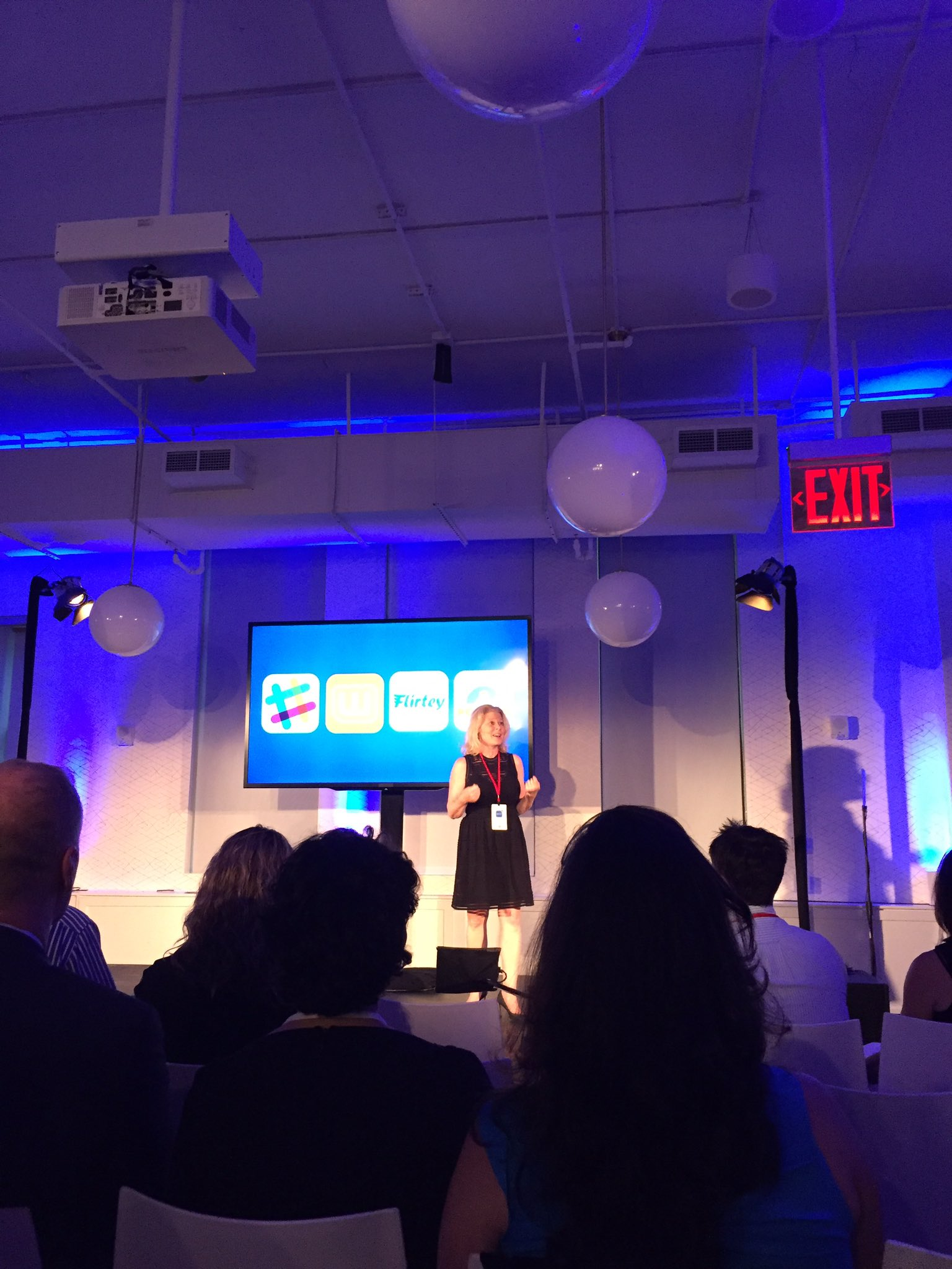 """We're innovation hunters at GE, it's part of our heritage. We're a 124 yr old startup."" - @lindaboff #AppFronts https://t.co/u5CNzusvla"