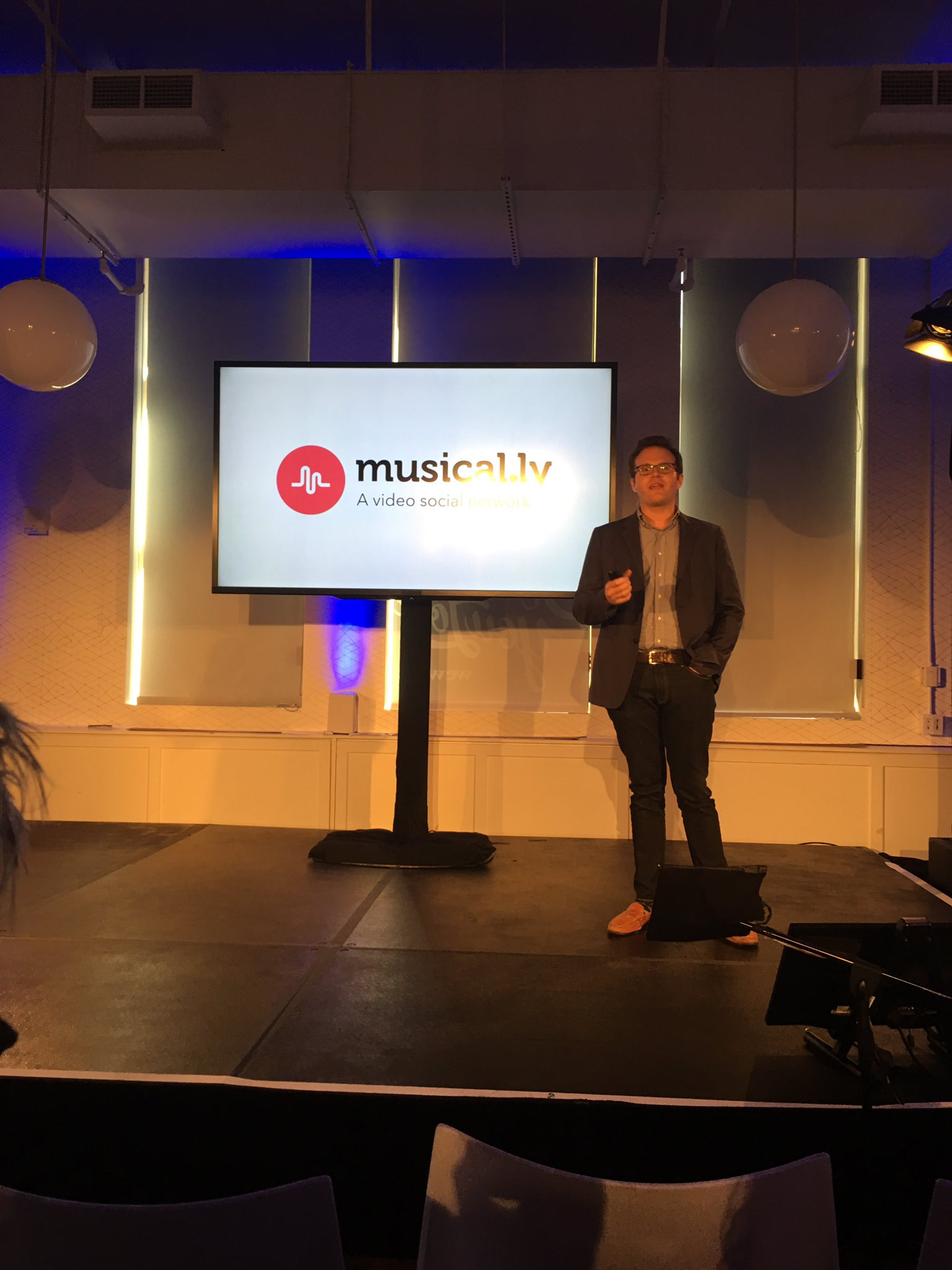 @musicallyapp:  this is a cray cool app.  #AppFronts. https://t.co/8xoMrb1XdI
