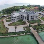 On the listof bailouts for special Ugandans is #Owner of this mansion! #AnimalFarm RICH will get Richer&Poor,Poorer https://t.co/02YTN7odfx