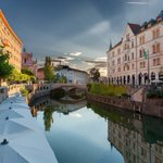 Ljubljana & Ljubljanica River. Photo by /LukaKotnikPhoto/ #igslovenia #slovenia https://t.co/Lr9k0wAqWW