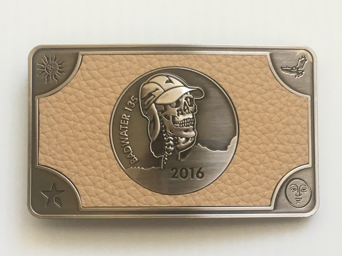 Behold, the Holy Grail of UltraRunning, the 2016 @styrlabsinc Badwater 135 official finisher's belt buckle! https://t.co/urNsQKGnRq