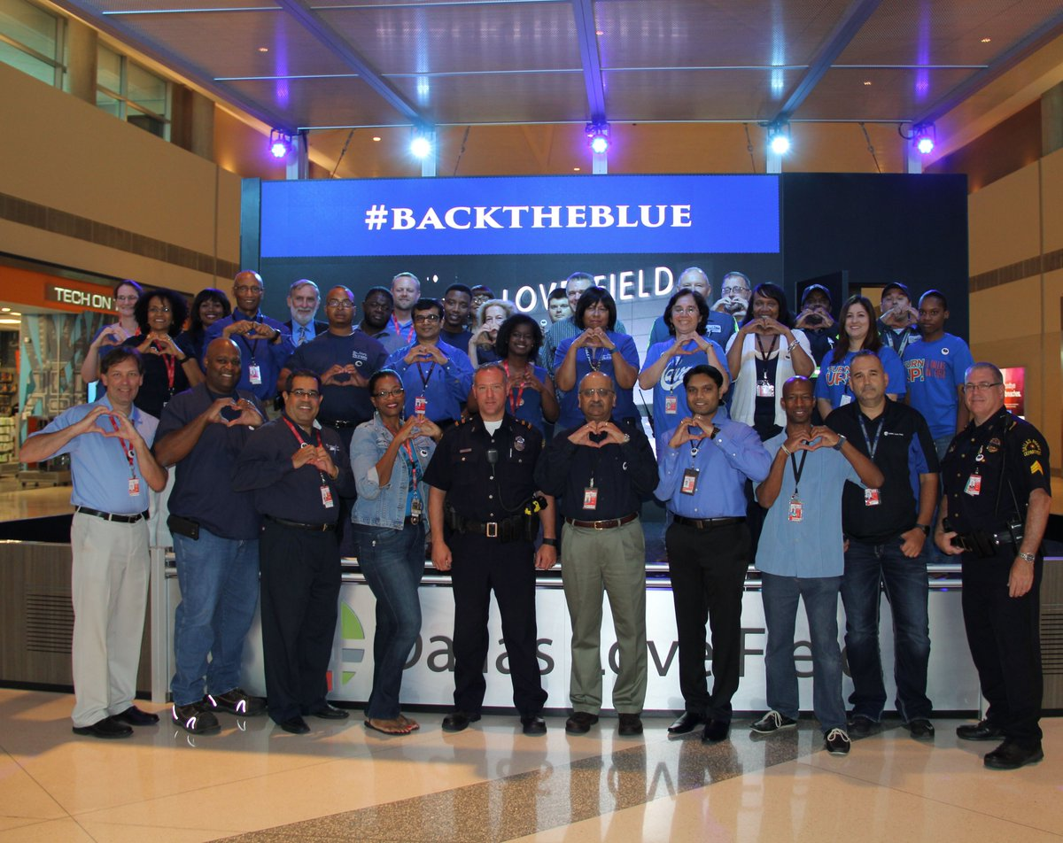 If you see our Love Field Unit officers today, throw them a HEART. Our employees did!  #StandUnited #BacktheBlue https://t.co/xjrFA1GZz2