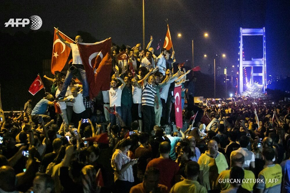 Congratulations to the Turks who stood tonight for the integrity of Turkey. Allah Akbar! The coup has been defeated https://t.co/WWw5MbDA1W
