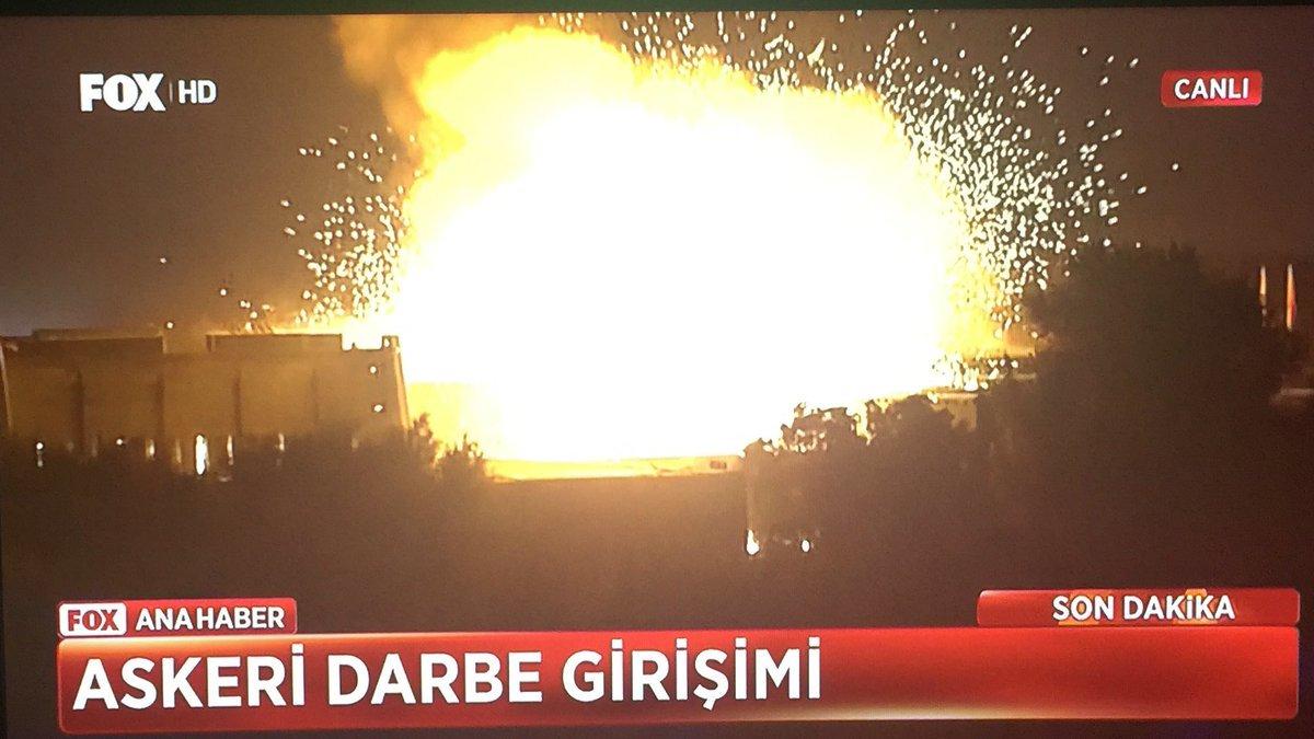 トルコ国会が爆破された  https://t.co/JvLiGnQq9T