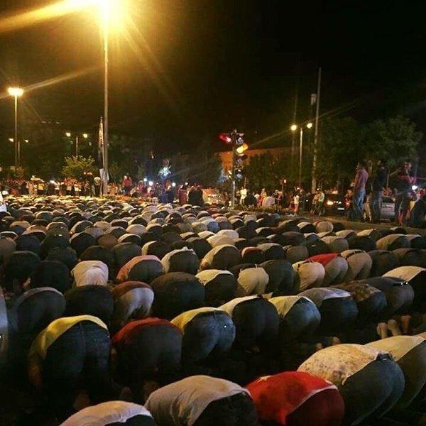 Dawn prayers today in Turkey https://t.co/y9KqOpnBMY