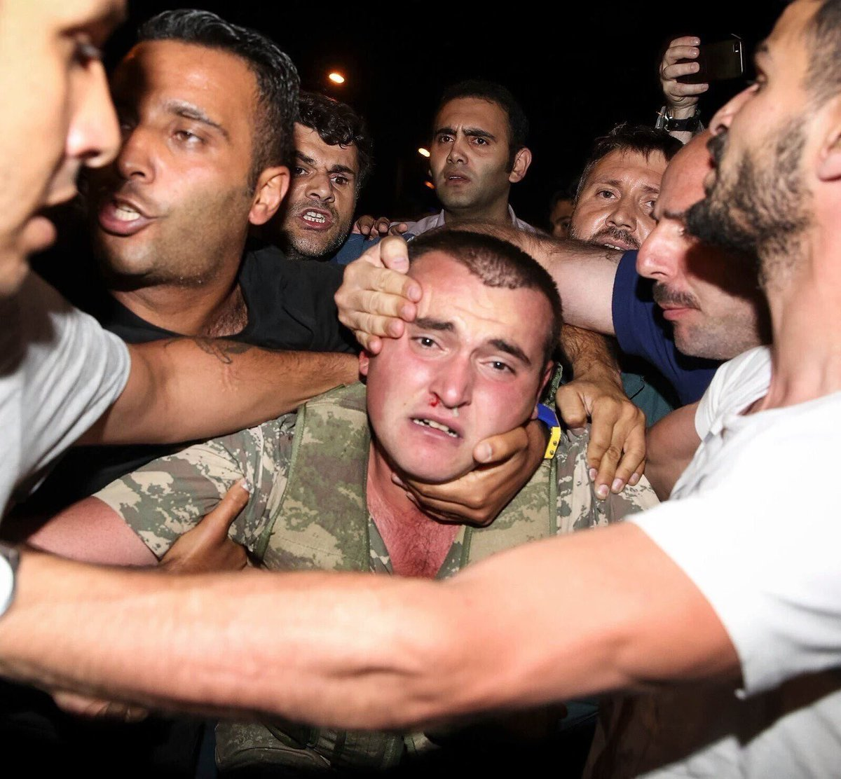 """Not on our watch!"" #فشل_الانقلاب_في_تركيا https://t.co/LoUSHyx3Oz"