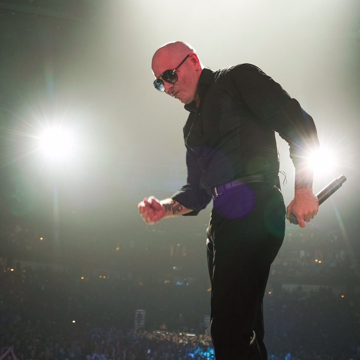 A night to remember!  San Diego tonight @SleepTrainAmpSD @livenation with @PrinceRoyce @farrukopr #Dale https://t.co/ZPwGOiP6Ny
