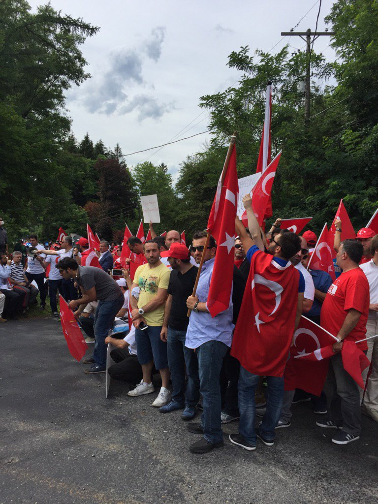 Protesters at the gate of #Gulen HQ, bringing #Turkish power struggles to rural Pennsylvania https://t.co/VEEPJAqAoi