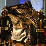 Kollision mit geparkten Autos|Mann (23) stirbt bei Horror-Unfall