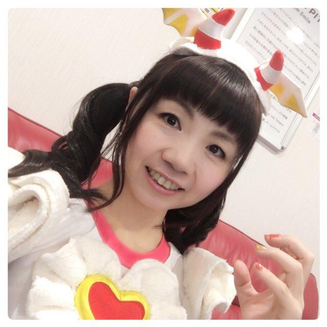 プリパラサマーアイドルライブツアー東京公演終了しましたー! 楽しかった!!最高!  まさかガァルルの衣装に身を包む日が来るなんて…人生わかりませんね!(笑)ヽ(*^∇^*)ノ 大阪も楽しみです!みんなありがとう! #pripara https://t.co/0oXqhRWA8h