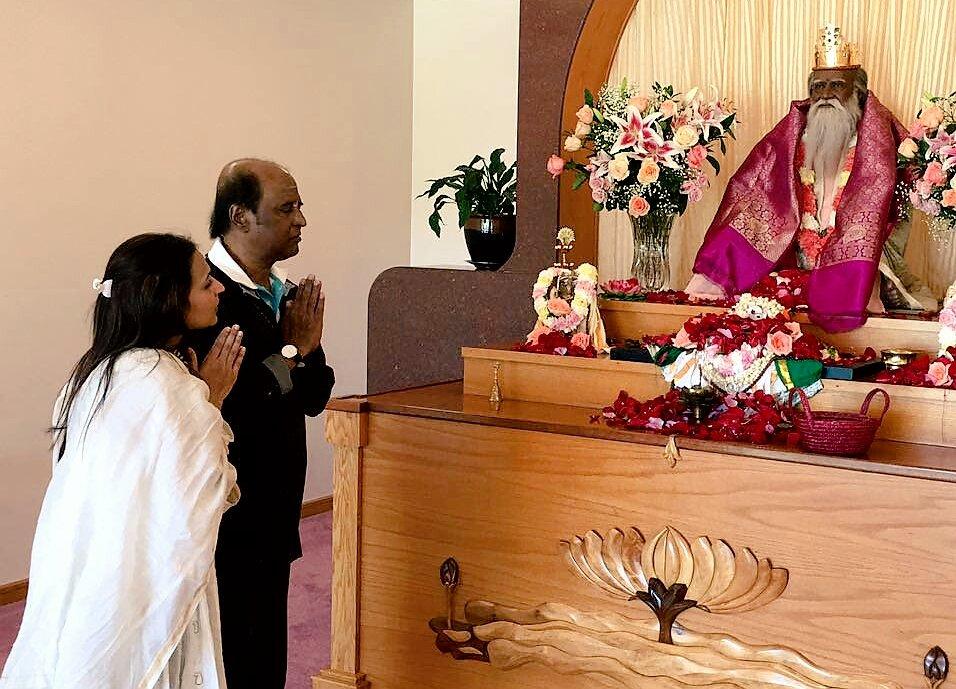 "Appa n I @ his guru Satchidananda's ""Lotus all faiths temple"" 30th anniversary  Yogaville Virginia ☺ #BlessedSunday https://t.co/wAPKpUb4py"