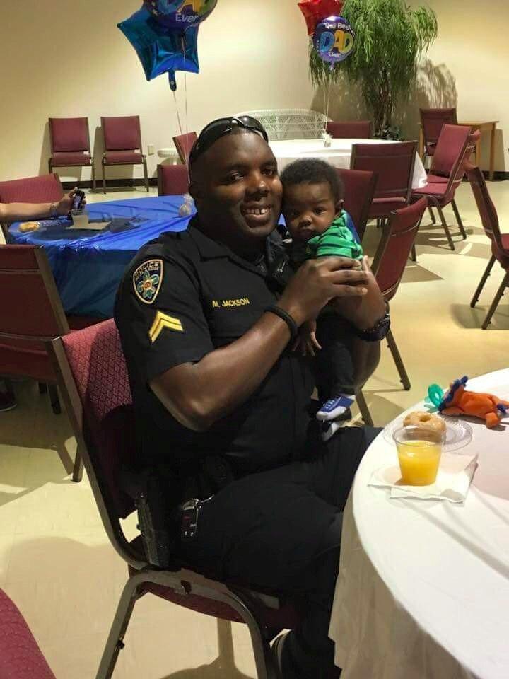 RIP Baton Rouge Police officer Montrell Jackson https://t.co/h7zGQIR4fV