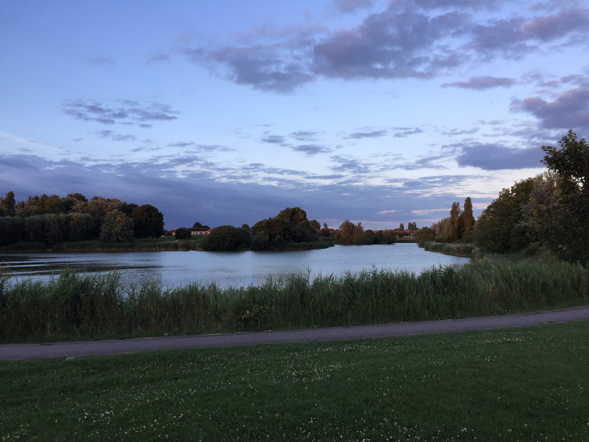 #urbanbanx #carpfishing over local park lake tonight <b>Couples</b> hrs before dark 😜 https://t.c