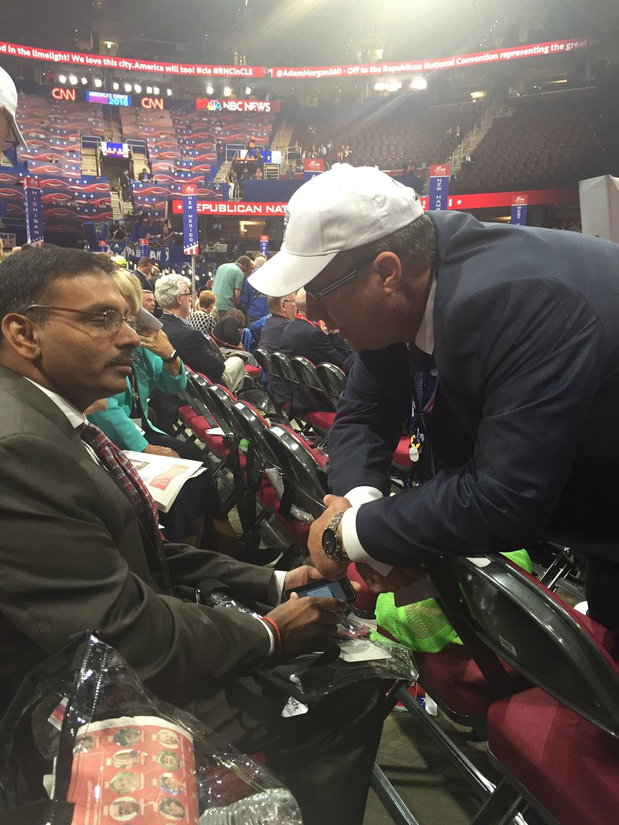 Trump staffer attempts to pressure Virginia delegates to remove their names from roll call request. #RNCinCLE https://t.co/P0PLHGRVHf