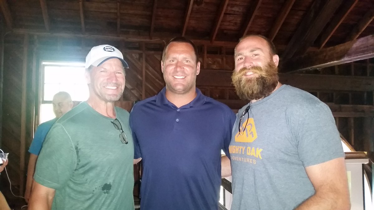 Great catching up with @_BigBen7 and @bkeisel99 at the @svymca Summer Barn Bash this weekend! https://t.co/0rYrBHNsFW