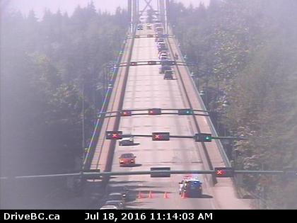 11:16 #TRAFFICALERT: The #LionsGate is closed in both directions due to a police incident #NorthVan #WestVan https://t.co/O7mWPRkI1N