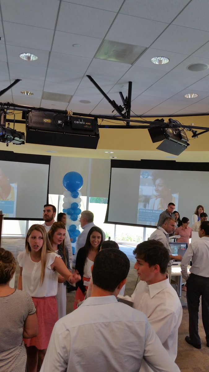 Proud of my @hp interns, talking up their projects at Intern Fair. Working the room like pros. #keepreinventing https://t.co/GG69GCfaf0