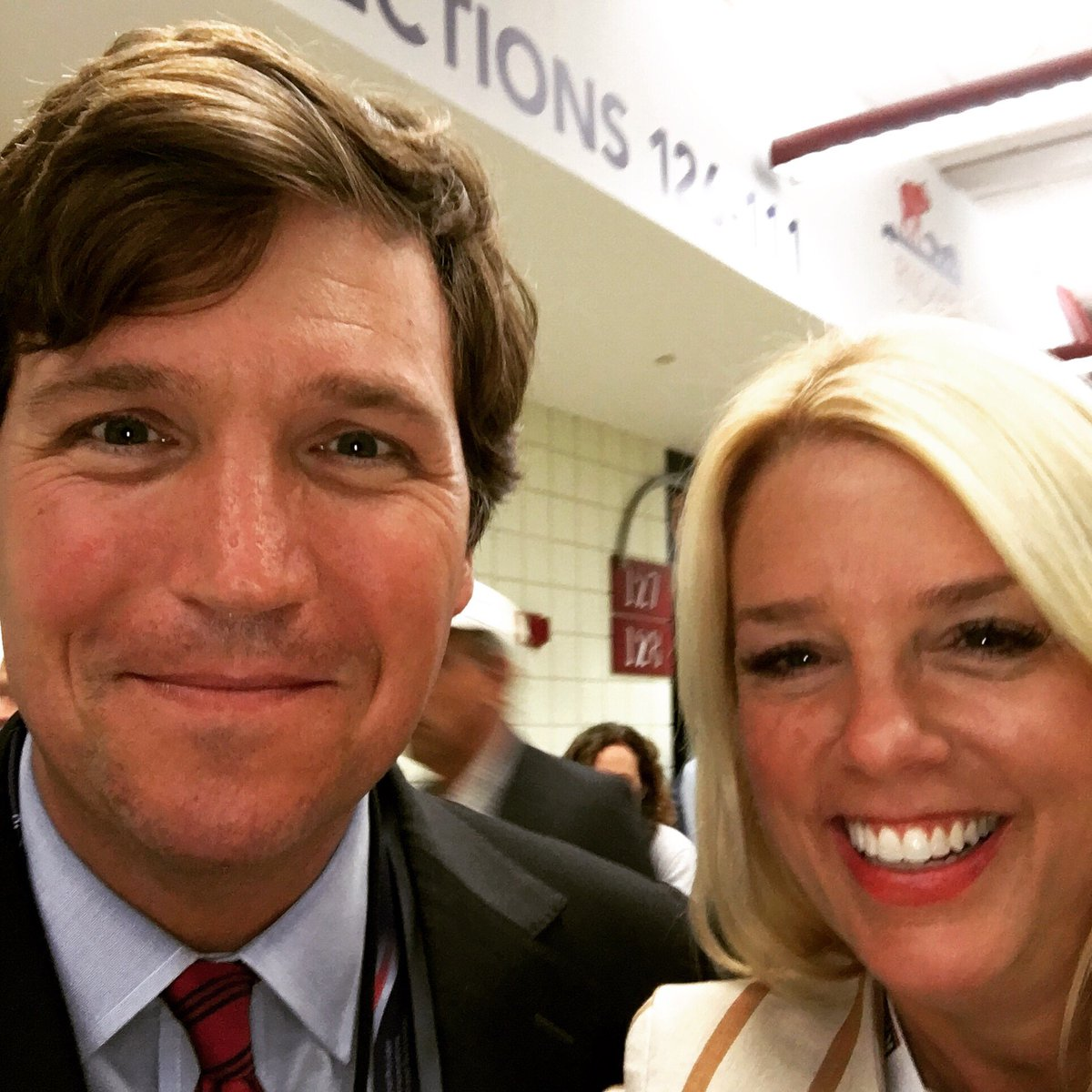 Gotta love @TuckerCarlson! #RNCinCLE https://t.co/4lKLWBFuPR