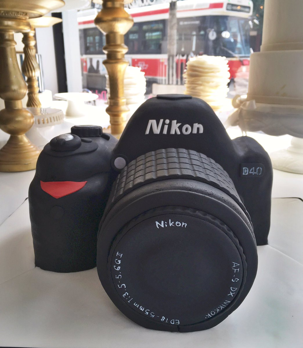 Check out this amazing @NikonCanada cake our super cake design team made! https://t.co/JOMqi72BZX