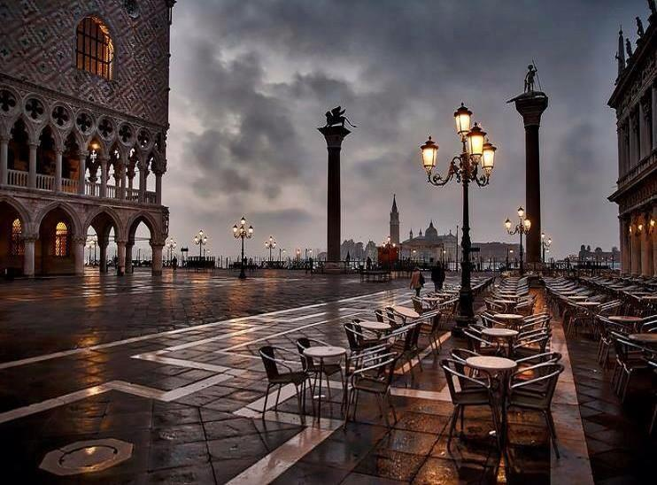 December in Venice | Photography by ©Stephan Ernst https://t.co/fRNS8dH2Ma