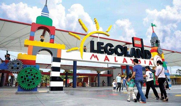 Jalan2 ke Legoland dan nikmati permainannya klik d sini
